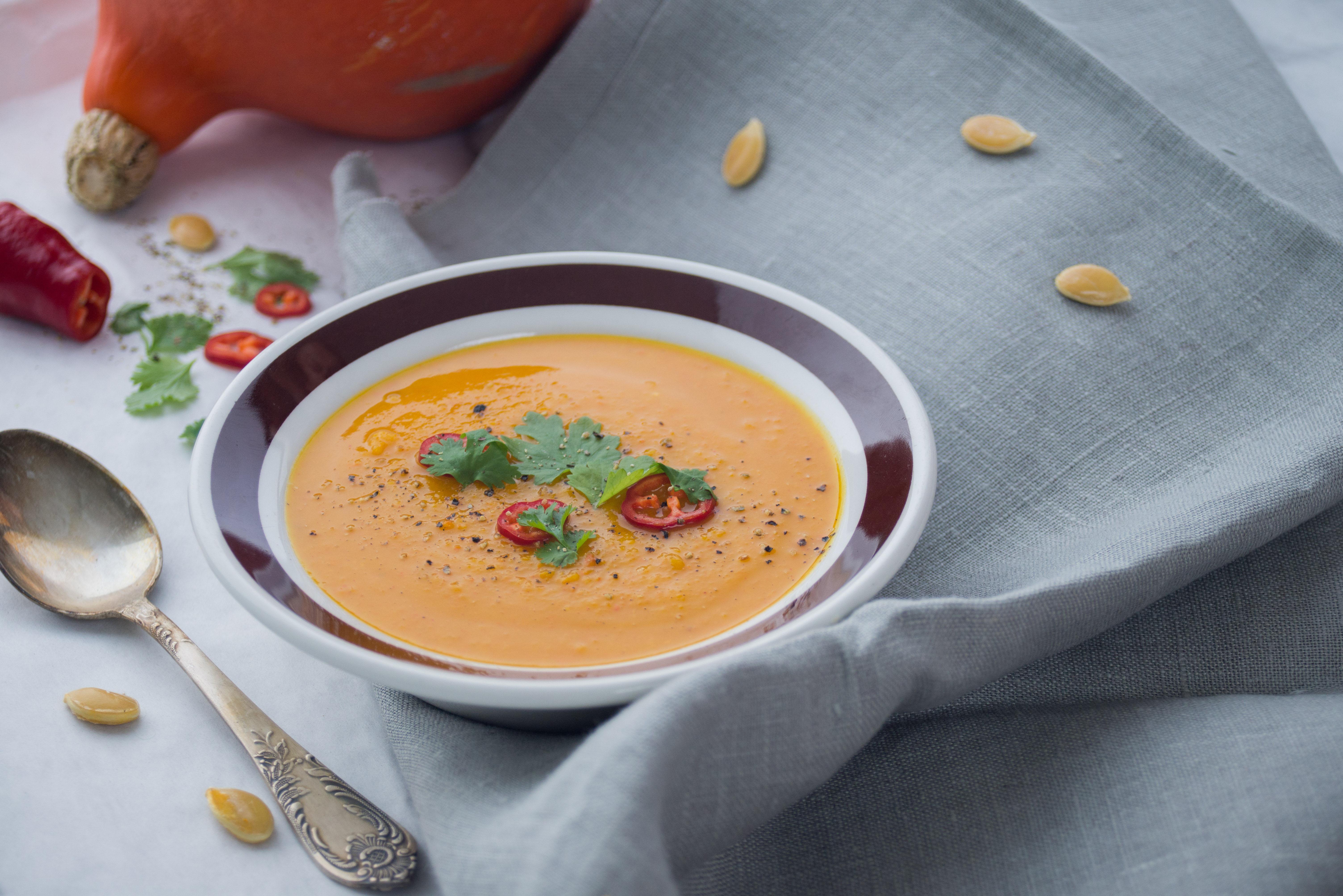 zupa dyniowa na blogu - lookingforcooking.pl
